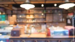 Blurred picture of an interior; copyright: PantherMedia / coffmancmu